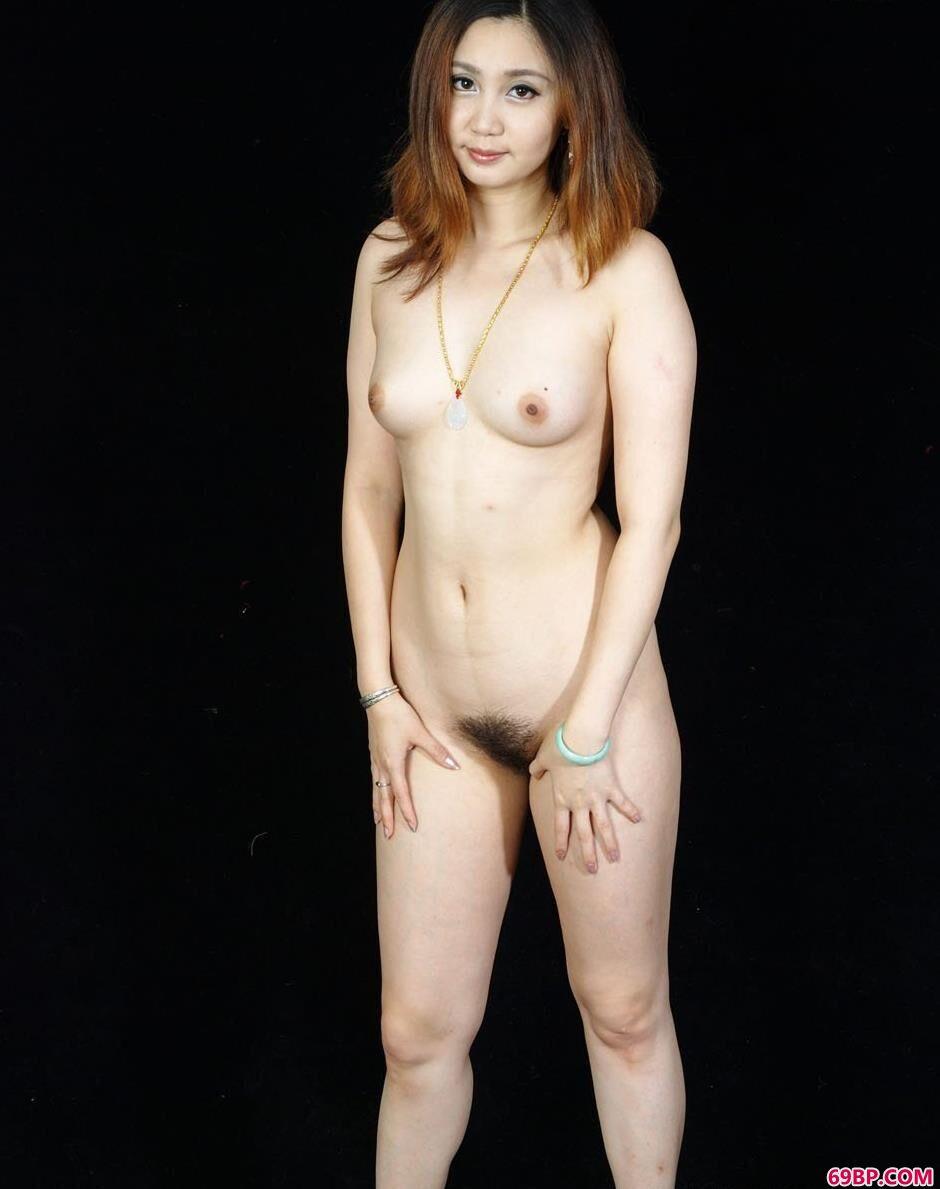 超模美惠棚拍羊毛毯上的妩媚人体_泰国nanCyho人体