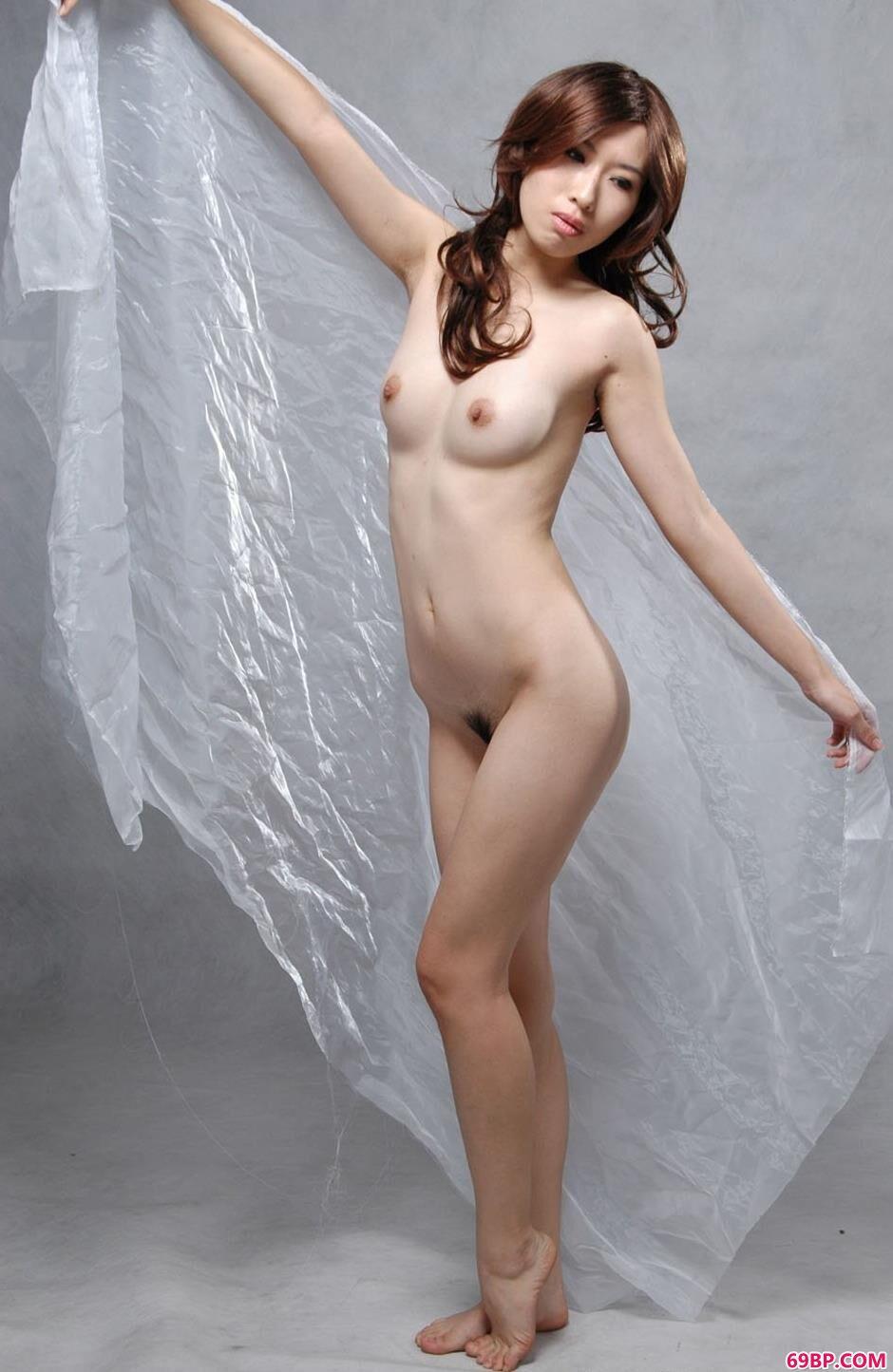 妹子绵绵棚拍纱巾人体
