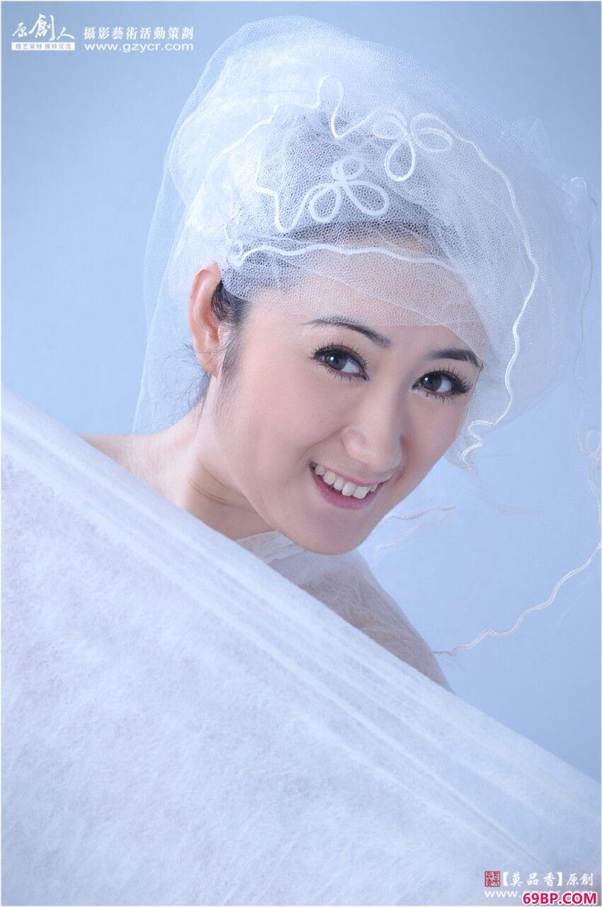 洁白超模雪茶广州艺术棚拍