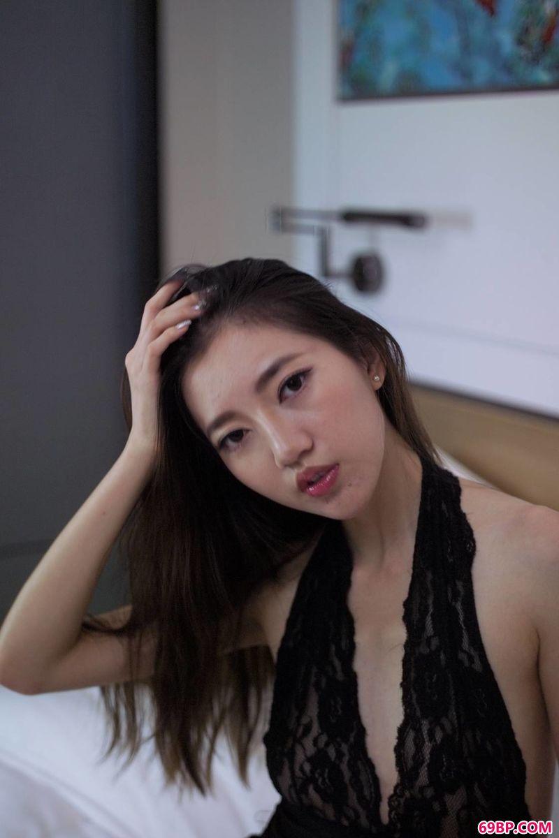 时尚靓女林爱可酒店约拍,全球高清gogo裸体艺术照