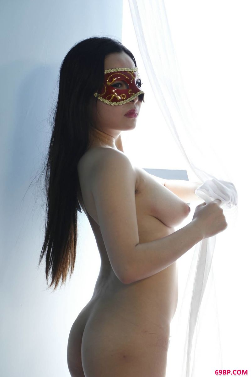 戴面具的国模美西_gogo人体美术禾